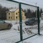 Распашные ворота из сетки рабицы
